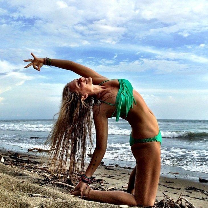 instagram.com/yoga_girl