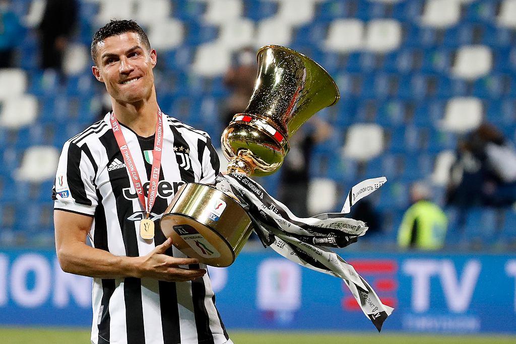 Juventus z Pucharem Włoch. Cristiano Ronaldo 'zaopiekował się' trofeum