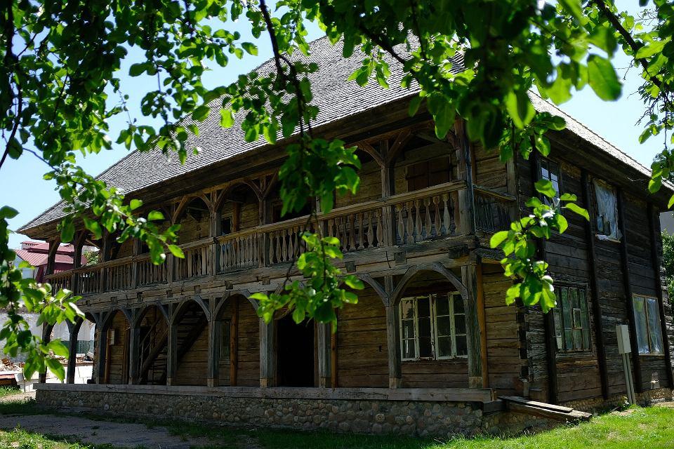 Białoruś. Grodno, XVII-wieczny lamus stojący na podwórzu klasztoru Brygidek