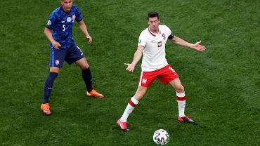 Robert Lewandowski podczas meczu Polska - Słowacja na Euro 2020. St. Petersburg, 14 czerwca 2021