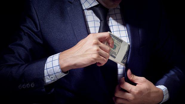 W 40 lat płace amerykańskich prezesów wzrosły o 1167 proc. A pracowników? Kto zarabia najwięcej w Polsce?