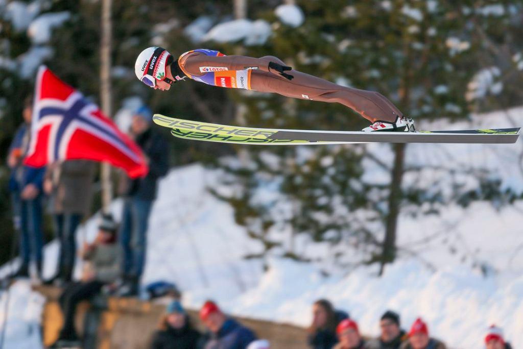 Kamil Stoch podczas zawodów cyklu Raw Air w Norwegii