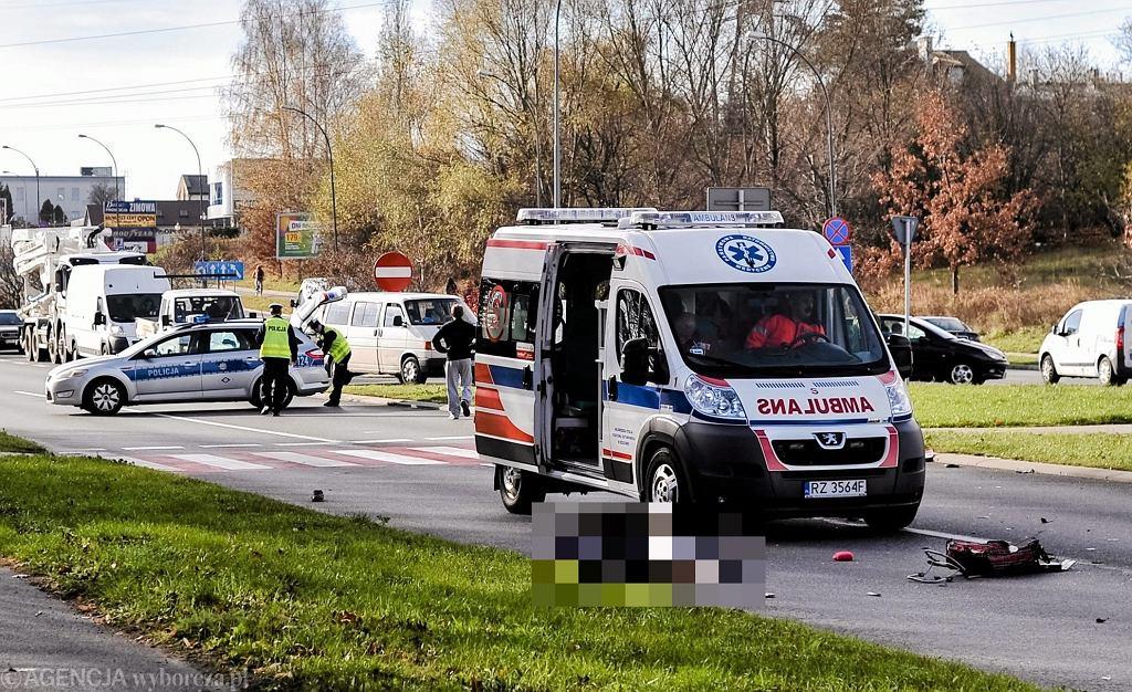 Wypadek na przejściu dla pieszych (zdjęcie ilustracyjne)