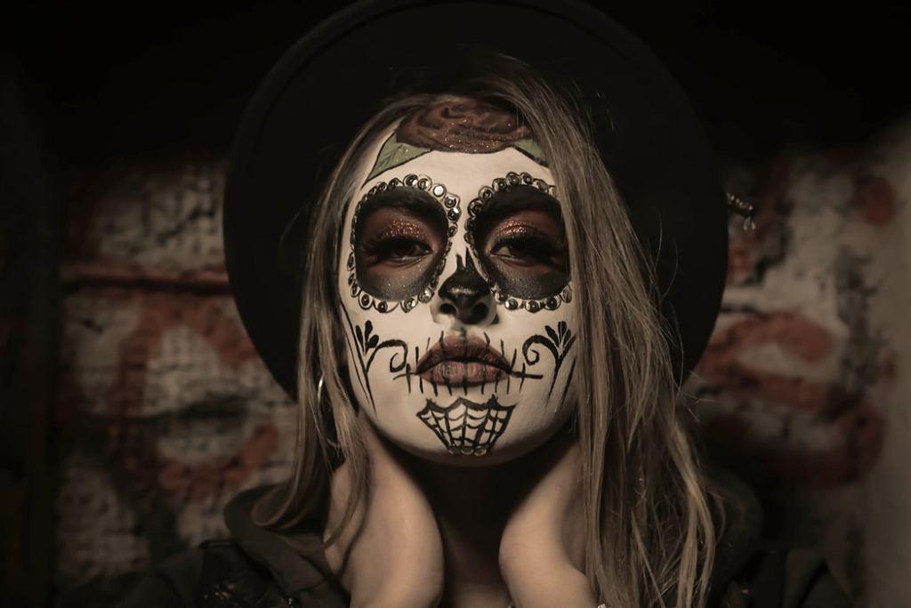 Halloweenowy makijaż.
