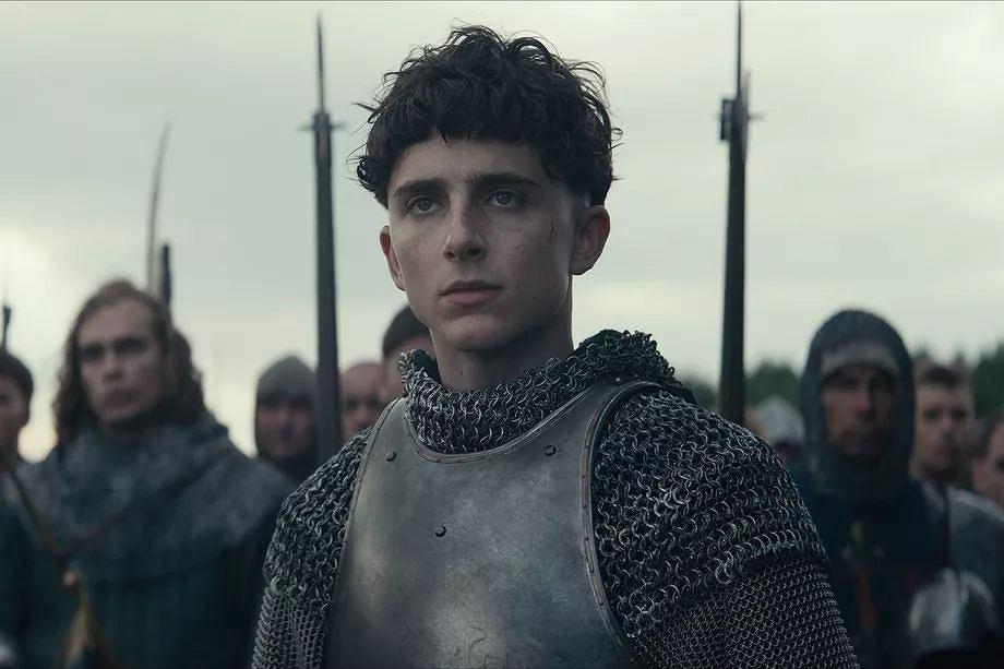Timothee Chalamet jako 'Król' Henryk V
