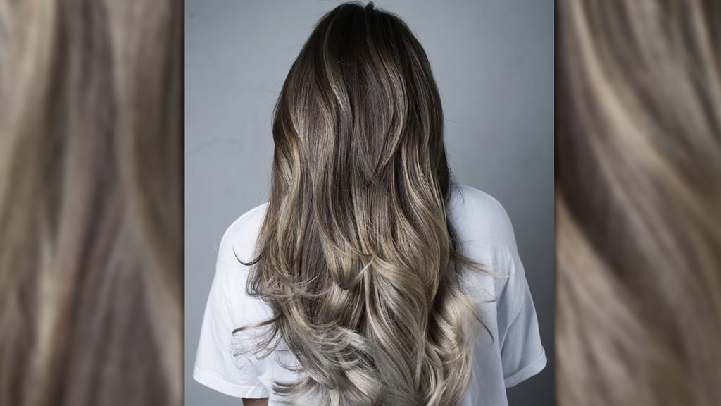 Grzybowy (mushroom) blond - największy hit wśród koloryzacji włosów. Ten kolor robi ogromną furorę w sieci