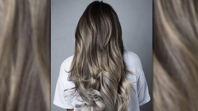Grzybowy blond - największy hit wśród koloryzacji włosów. Ten modny kolor robi ogromną furorę w sieci