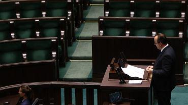 15.09.2017 Warszawa , Sejm . Rzecznik praw obywatelskich Adam Bodnar przemawia na sali posiedzeń Sejmu .