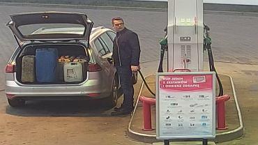 Policja poszukuje mężczyzny, który jest podejrzany o kradzież paliwa