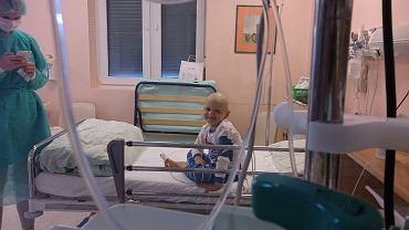 Staś, pacjent Kliniki Transplantacji Szpiku, Onkologii i Hematologii Dziecięcej Przylądek Nadziei we Wrocławiu