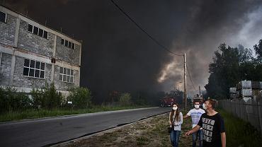 Pożar śmieci w Zgierzu. Każdy pożar wysypiska śmieci wywołuje wielkie zanieczyszczenie