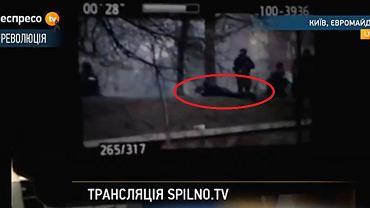 Kadr, na którym uchwycono rzekomego snajpera na kijowskim Majdanie