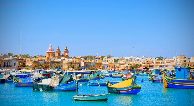 Tradycyjne maltańskie łodzie luzzu