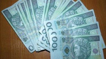 Pieniądze w banknotach - zdjęcie ilustracyjne