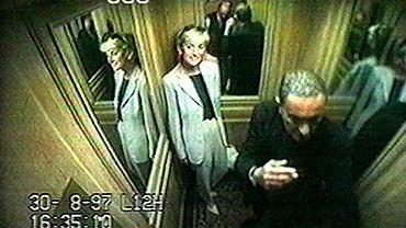 Zdjęcie z hotelowego monitoringu. Księżna Diana i Dodi Al Fayed