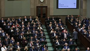2.03.2020, wynik głosowania nad ustawą o koronawirusie.