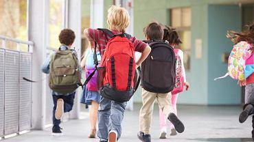 Zapisy do szkoły podstawowej 2021. Rodzice powinni uważać, by nie przegapić ważnych terminów
