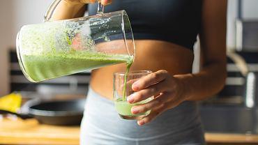 Prosty sposób na oczyszczenie organizmu, spalanie tłuszczu i poprawę stanu cery. Wystarczy szklanka tego soku dziennie (zdjęcie ilustracyjne)