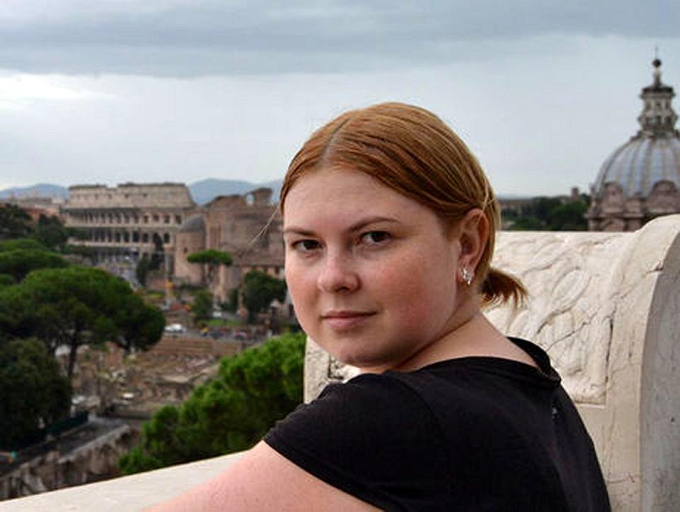 Katerina Handziuk, aktywistka i doradczyni mera miasta Chersoń, w lipcu 2018 r. została oblana kwasem. Wciąż nie wiadomo, kto zlecił ten atak. Handziuk zmarła w szpitalu 4 listopada 2018 r.