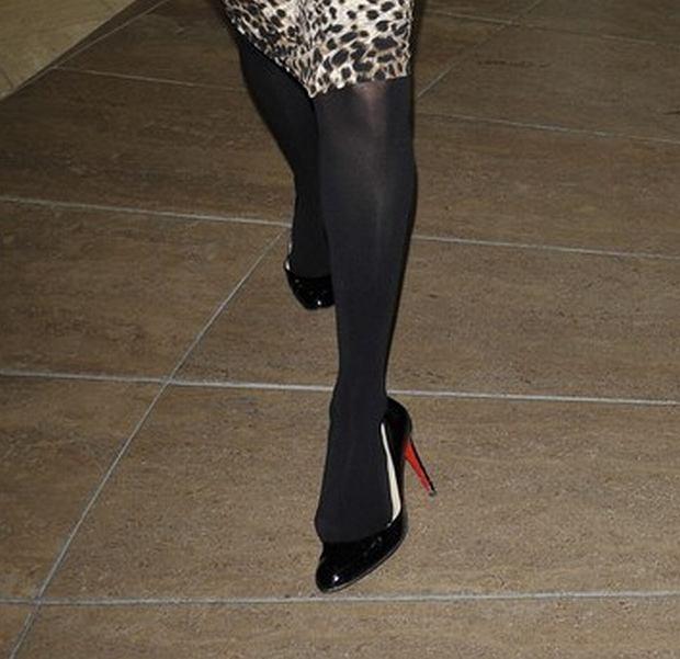 Paris Hilton, szpilki