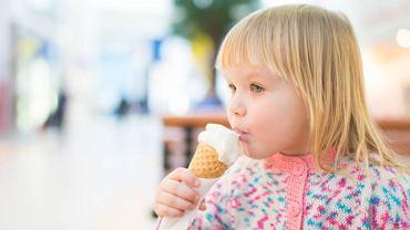 Salmonellozą można się zarazić jedząc np. źle przechowywane lody