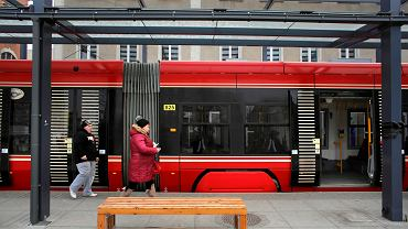 Przystanek tramwajowy na runku w Katowicach