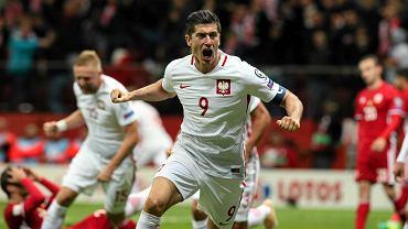 Robert Lewandowski podczas meczu eliminacyjnego z Armenią do Mistrzostw Świata, 11.10.2016