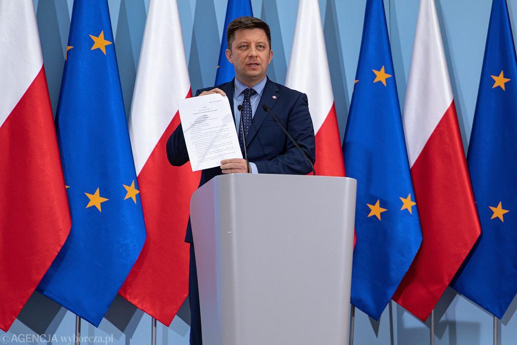 Konferencja prasowa Michała Dworczyka ws. ustawy o organizacji Lotów najważniejszych osób w państwie