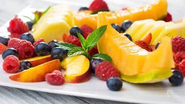 Mimo że fruktoza to naturalny cukier, również trzeba na nią uważać