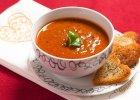 Aksamitna zupa pomidorowa z czerwonym winem i wołowiną - Zdjęcia