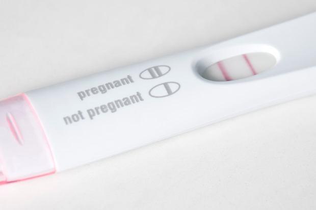 Test ciążowy: na który rodzaj się zdecydować? A może laboratoryjny test ciążowy?