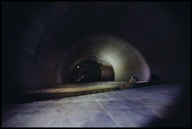 Zejście do podziemnego świata. fot. Filip Chebda