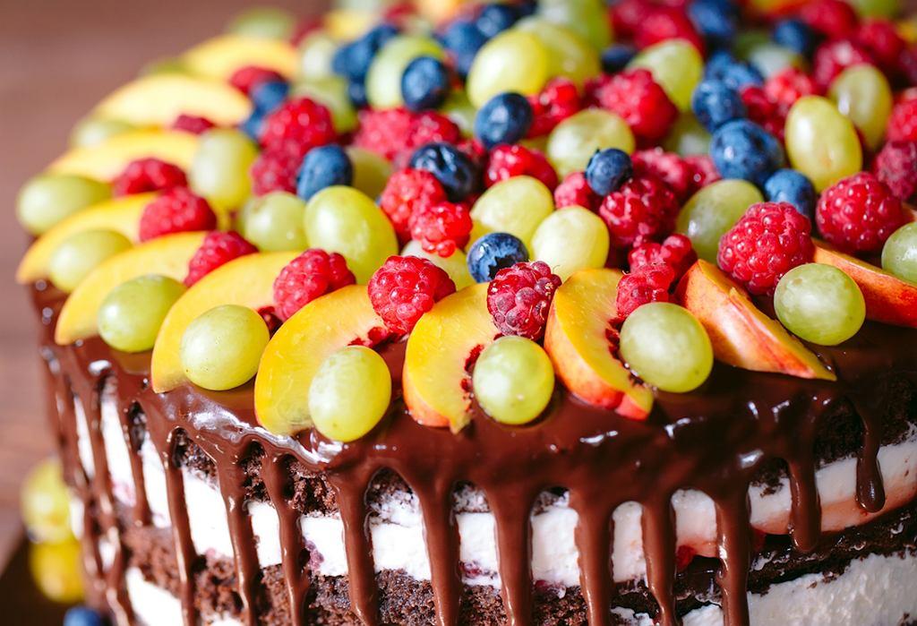 Dekoracje na tort? Czasem owoce są najlepszym pomysłem