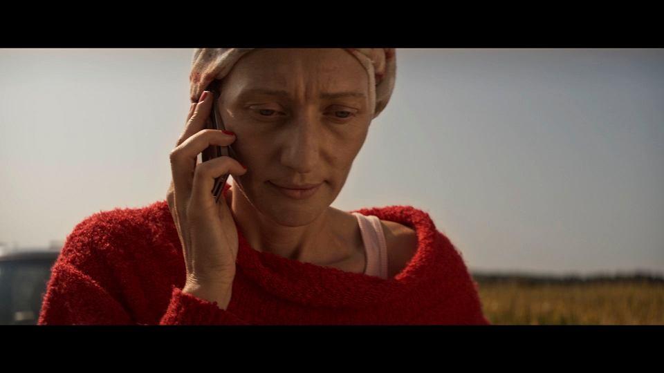 Magdalena Popławska jako Rachel w filmie promującym thriller 'Łańcuch' Adriana McKinty'ego