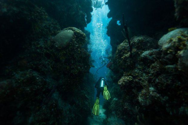 Blue Hole w Egipcie - jedno z najbardziej znanych na świecie miejsc do uprawiania nurkowania.
