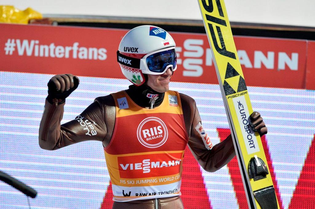 Kamil Stoch podczas zawodów cyklu Raw Air w Norwegii.