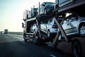 Wiceminister MSWiA przeciw wyższej akcyzie na import używanych aut