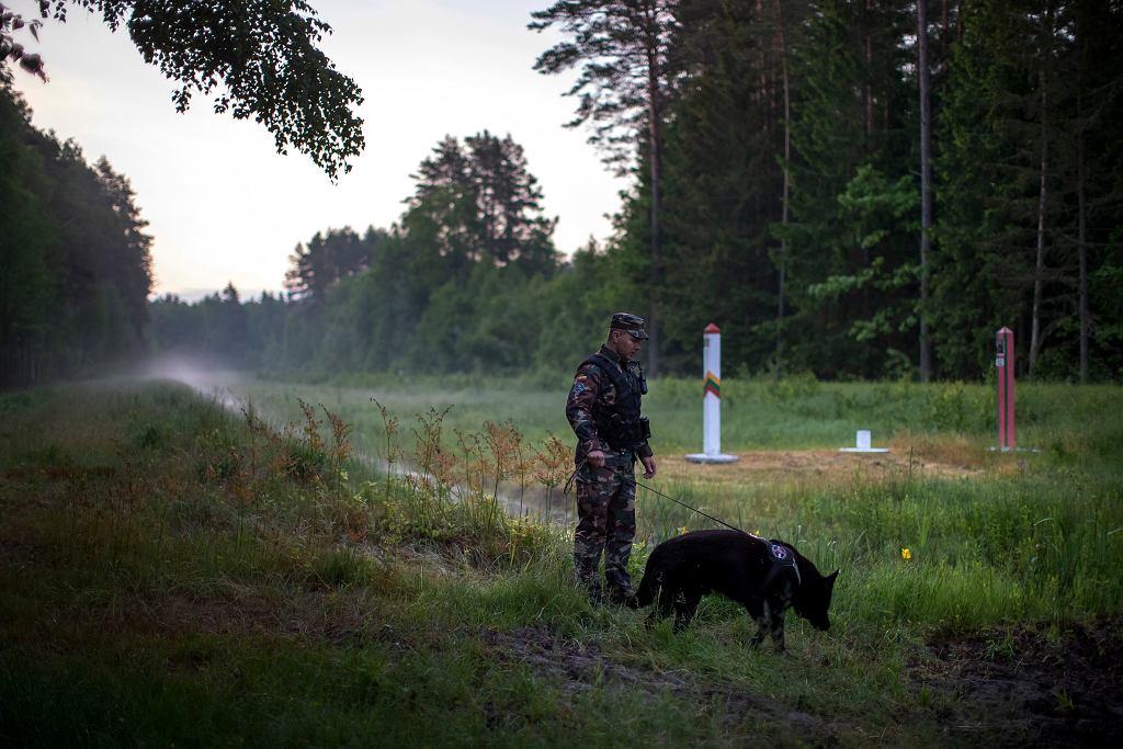 Litwa. Strażnik przy granicy z Białorusią