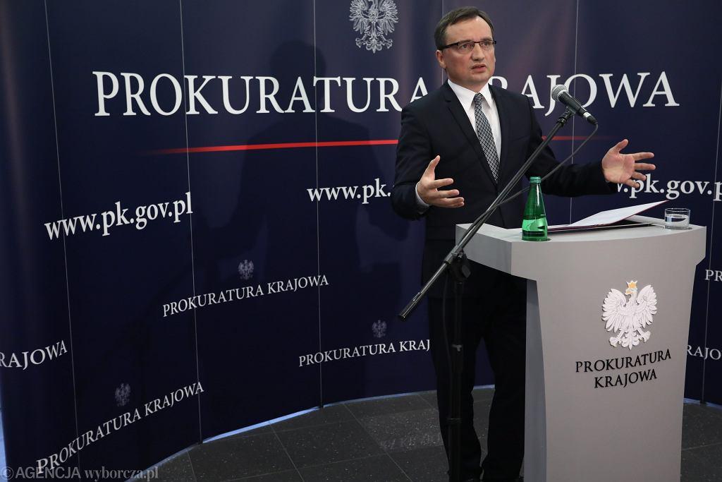 Prokurator generalny i minister sprawiedliwości w rządzie PiS Zbigniew Ziobro podczas konferencji prasowej w siedzibie Prokuratury Krajowej.