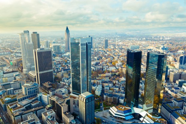 We Frankfurcie ma swoją siedzibę Europejski Bank Centralny, a także wiele z najważniejszych, niemieckich banków. Fot. luchschen / shutterstock.com
