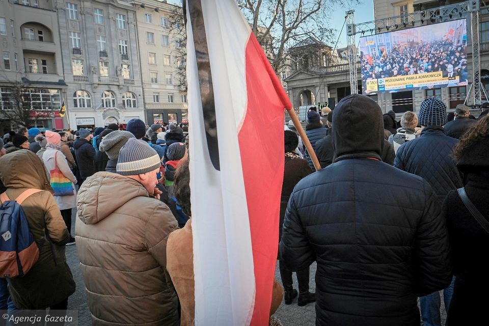 Transmisja pogrzebu prezydenta Gdańska Pawła Adamowicza na pl. Wolności