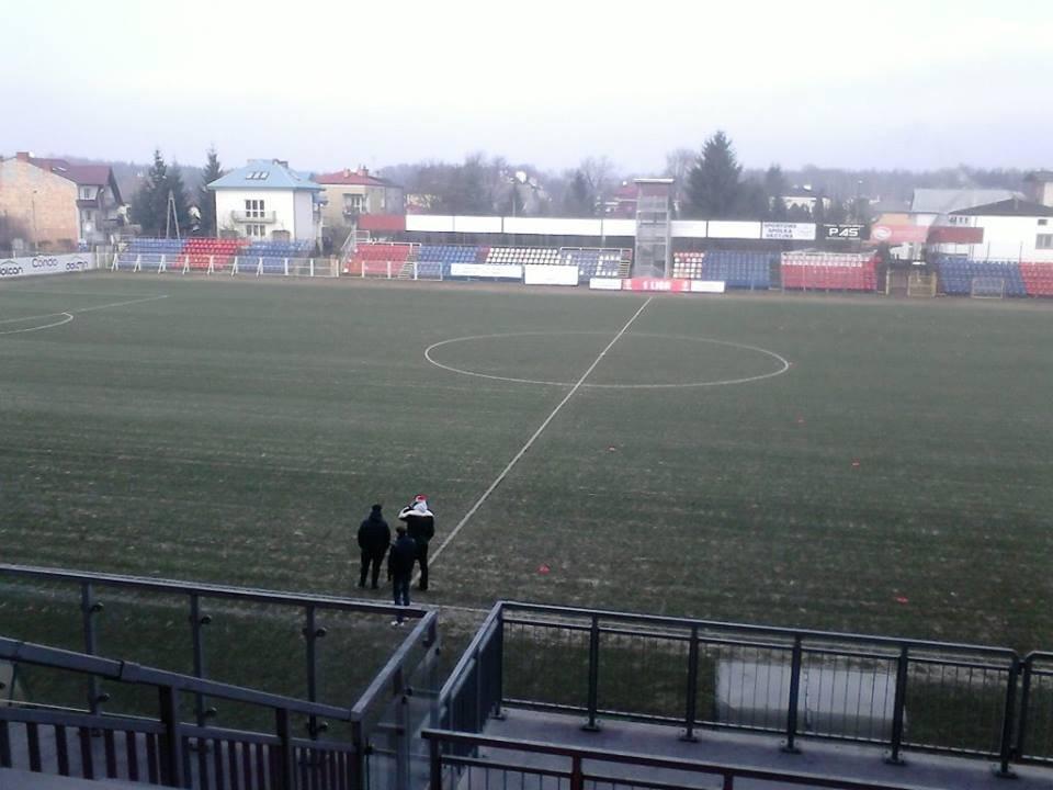 Murawa na stadionie w Ząbkach