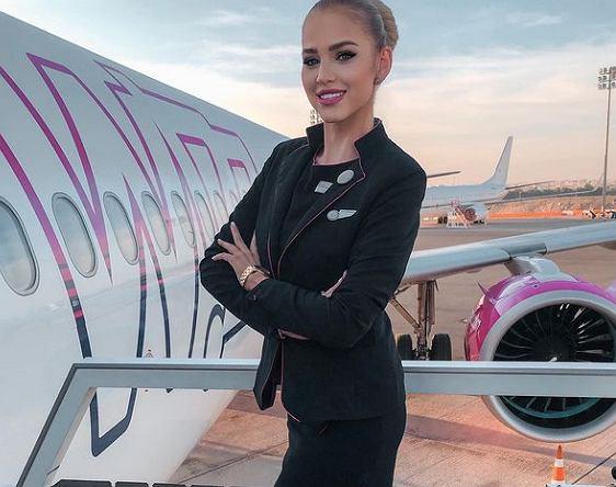 Szonja Gresa - najpiękniejsza stewardessa na świecie