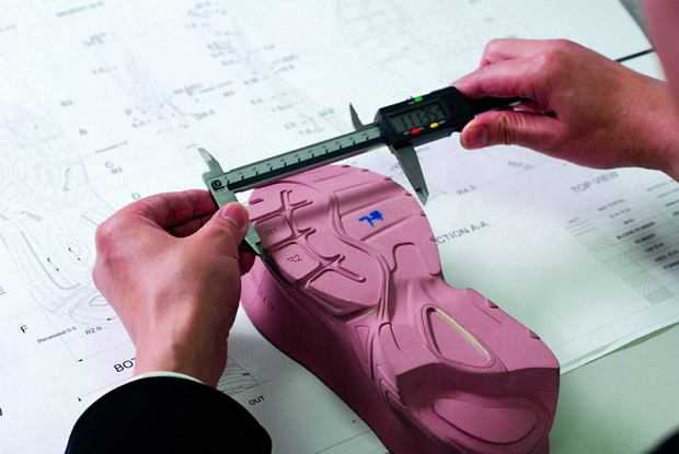 Jak powstają buty biegowe?