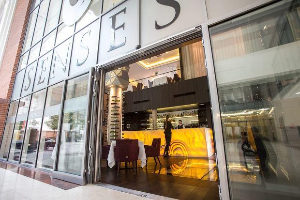 Wiele ekskluzywnych miejsc upadło, część zamknęła się do odwołania, jak warszawska restauracja Senses (fot: Bartosz Bobkowski/ Agencja Gazeta)