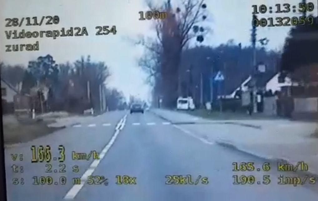 Krapkowice. 36-latka pędziła prawie 170 km/h w terenie zabudowanym