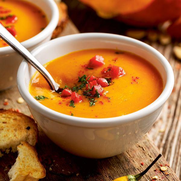 Zupa dyniowa zpieczoną papryką