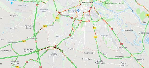 Wypadek na A4 pod Wrocławiem w kierunku Opola. Liczne utrudnienia w ruchu drogowym