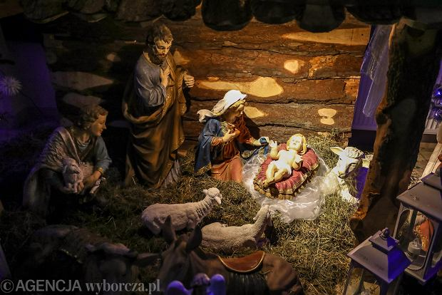 Zdjęcie numer 9 w galerii - Jezusek w skromnej stajence. Zobacz, jak wyglądają szopki w kieleckich kościołach [ZDJĘCIA]