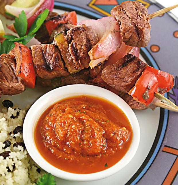 Papryczki chili: kuchnia ostra jak diabli, kuchnia, kuchnie świata, Szaszłyki z harissą